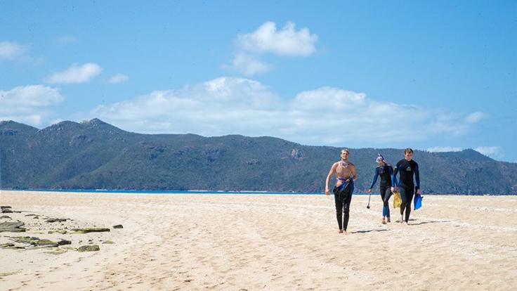 Barrier Reef Australia: Explore remote Whitsunday Islands and beaches