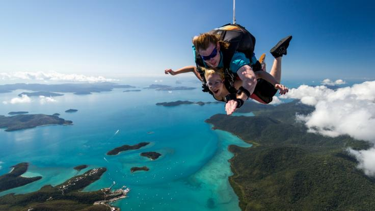 Airlie Beach tandem skydive, Whitsundays