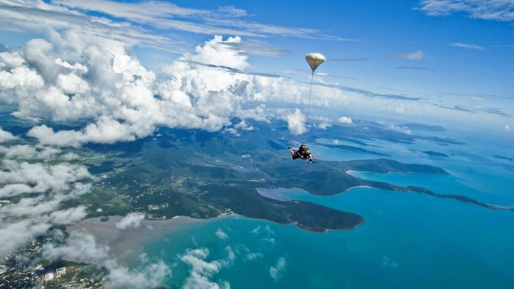 Jump from up to 15000ft over Airlie Beach, Whitsundays