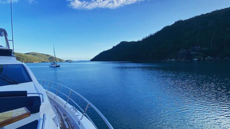 Hamilton Island Yacht Charters - Cruising the Whitsundays