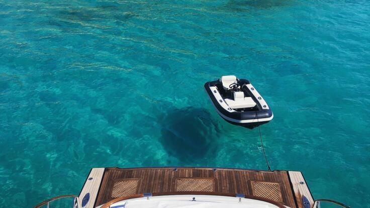 Whitsunday Yacht Charters - Call into remote islands