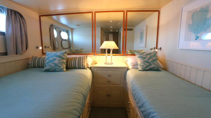Stunning twin room accommodation, private charter boat, Port Douglas