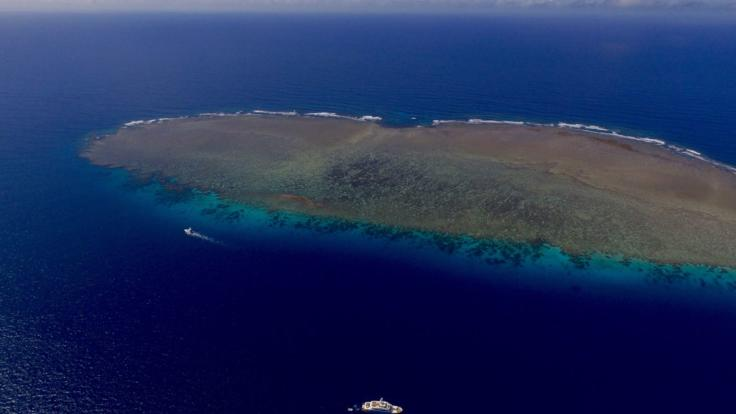 Cruise the Great Barrier Reef in your Private Luxury Superyacht