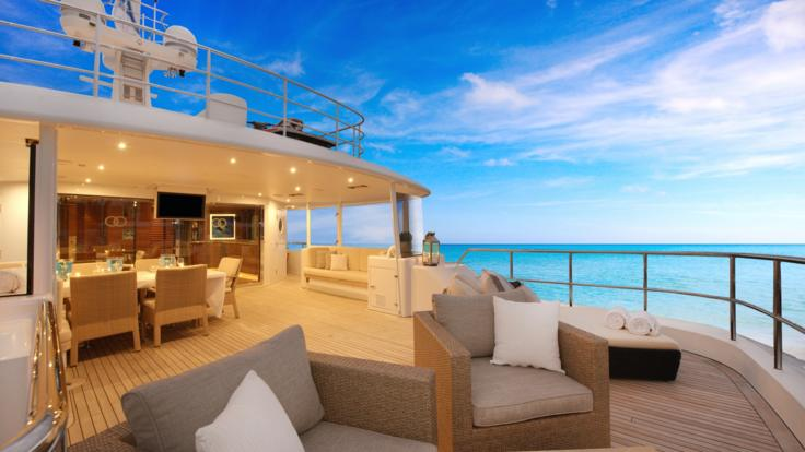 Superyachts Great Barrier Reef | Sundeck | Great Barrier Reef Superyacht Charter