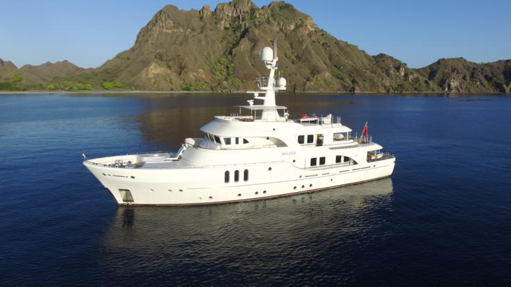 Luxury Superyacht Charter | Cruise the Great Barrier Reef