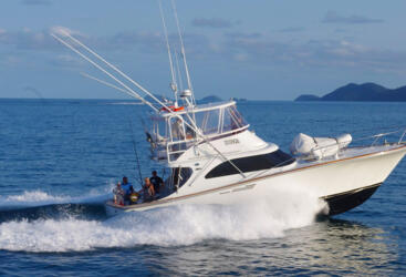 Port Douglas Charter Boats - Flybridge Cruiser