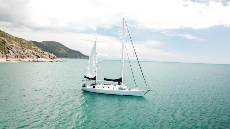 Yacht Charter Magnetic Island - Sailing Holiday