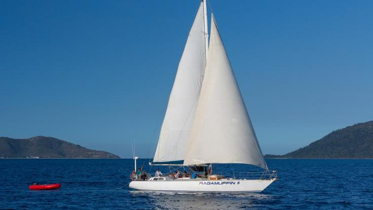 Private Charter tour Sail from Townsville around Magnetic Island