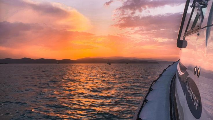Airlie Beach Private Charter Boat - Sunset Cruises