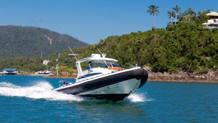 Private Charter Tours Whitsundays - Boat at Speed
