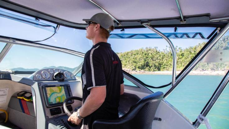 Skippered power boat charter Hamilton Island - Great Barrier Reef