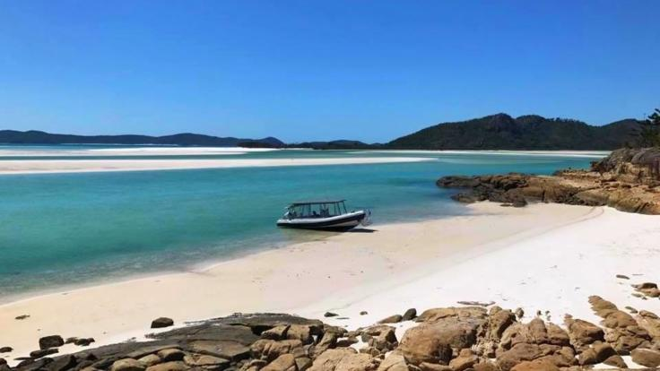 Cruise Whitehaven beach on your private charter boat