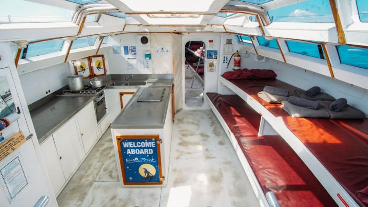 Liveaboard Sailing Boat accommodation - Whitsundays - Great Barrier Reef - Australia