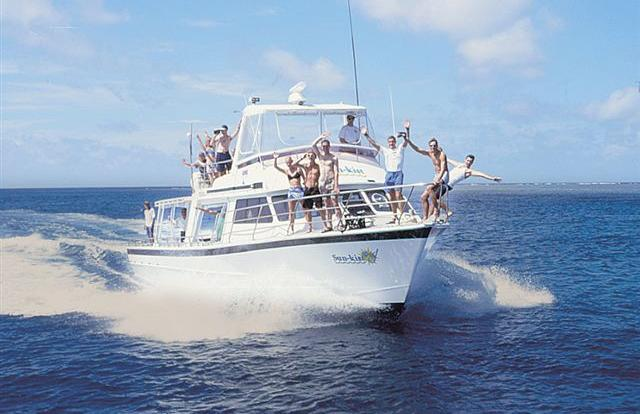 Small Group Snorkel And Dive Tour Cairns
