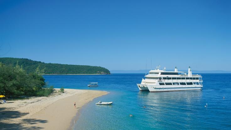 Cruise Ship tours on the Great Barrier Reef in Australia