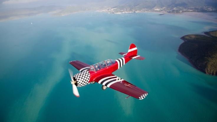 Acrobatic Aerial adventure flight over Whitsundays