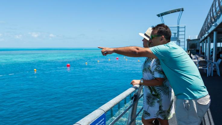 Whitsundays Great Barrier Reef Day and Night Package