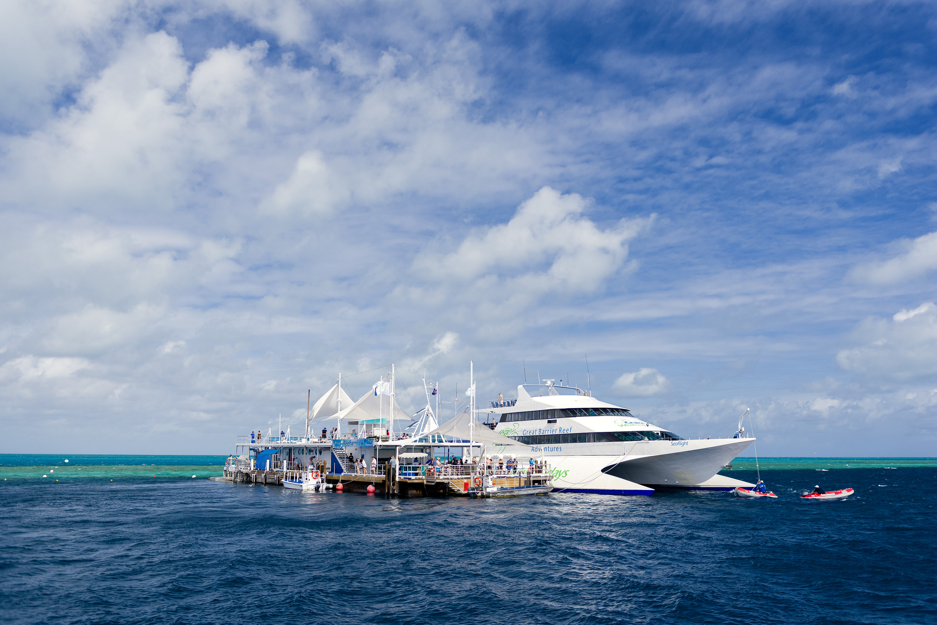Great Barrier Reef Tour |Floating Pontoon Hardy Reef