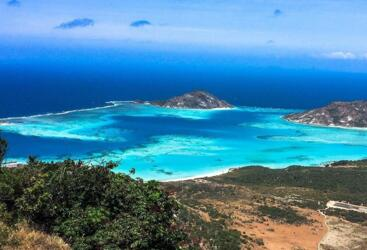 Lizard Island Scenic Flights from Cooktown and Cairns - View From Cooks Look on Lizard Island