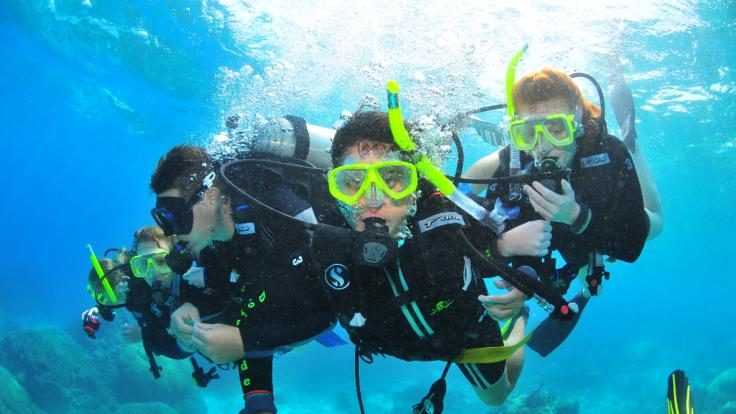 Introductory Scuba Diving on the Great Barrier Reef in Cairns Australia