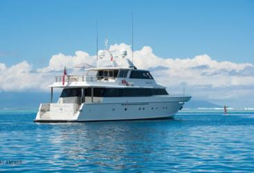 Luxury Superyacht Charters on the Great Barrier Reef - Port Douglas - Whitsundays