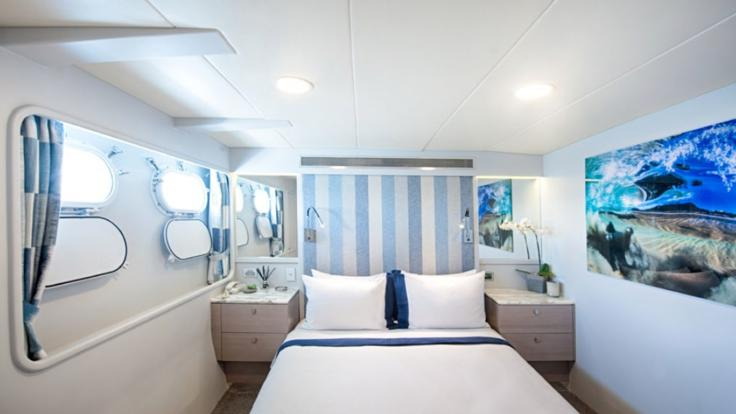 Great Barrier Reef Luxury Motor Yacht Charters | Queen Stateroom