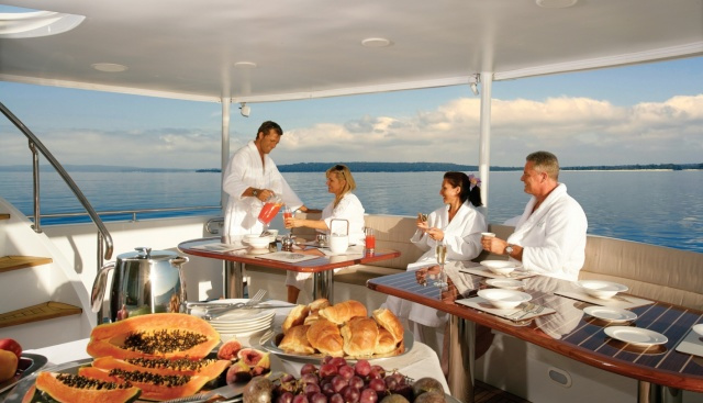 Superyachts Great Barrier Reef - Breakfast on Upper Deck
