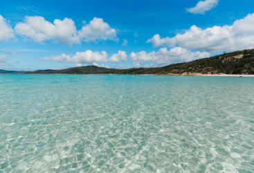Hamilton Island Tours - Azure waters of Whitehaven Beach