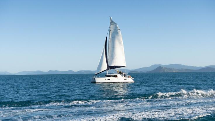 Yacht Charters Whitsundays - Sailing Holidays Great Barrier Reef