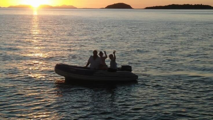 Sailing Holidays Whitsundays - Sunset on the Great Barrier Reef