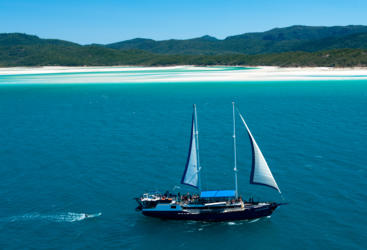 Whitsundays liveaboard sailing on the Great Barrier Reef