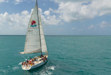 Barrier Reef Australia: Under full sail in the Whitsundays