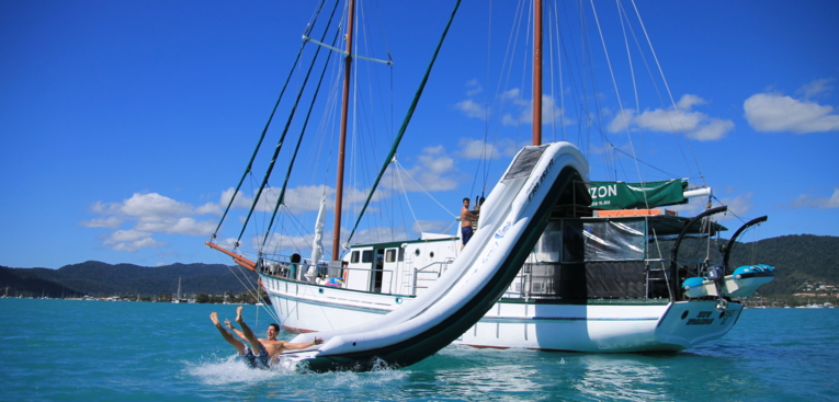Sailing and snorkeling on a liveaboard boat in the Whitsundays