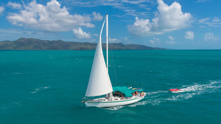 Sailing the 74 Islands of the Whitsundays Great Barrier Reef Australia