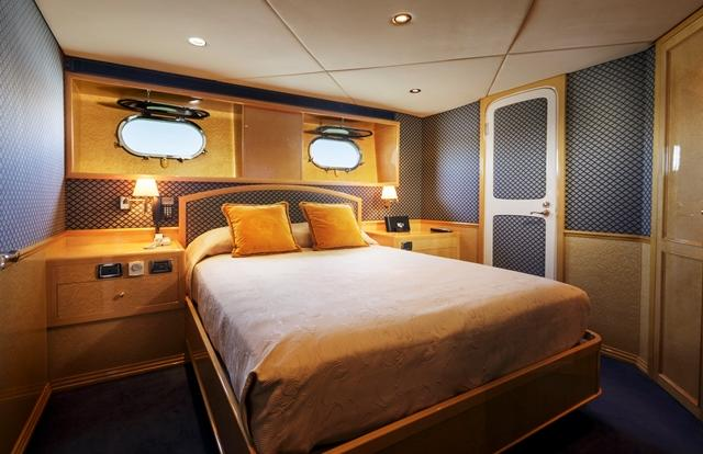 Luxury Private Charter Superyachts Queen Cabin - Port Douglas - Great Barrier Reef