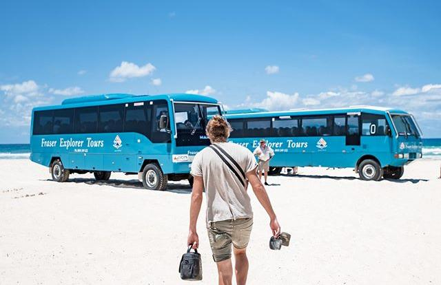 Barrier Reef Australia: Comfortable 4WD Vehicles -75 Mile Beach - Fraser Island