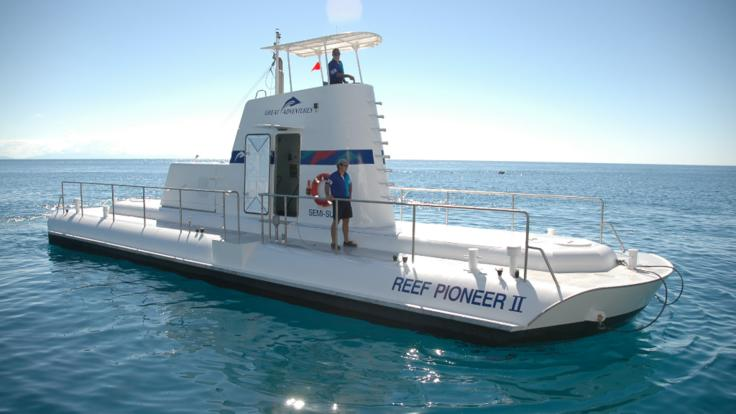 Semi-submersible submarine boat tours on the Great Barrier Reef in Australia