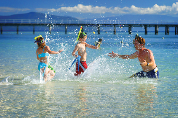 Cairns Fly & Cruise Tour - Family fun on Green Island -