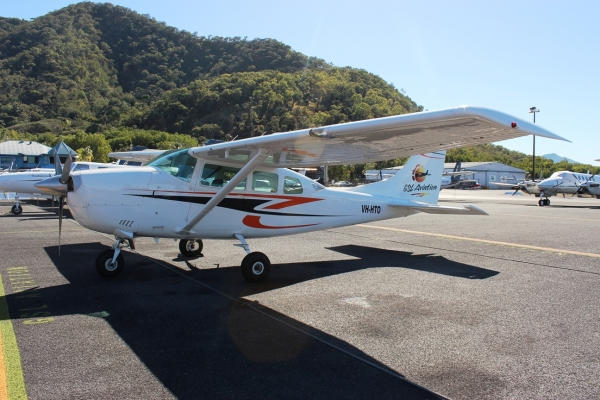 Small, modern air crafts for scenic flights over the Great Barrier Reef in Australia