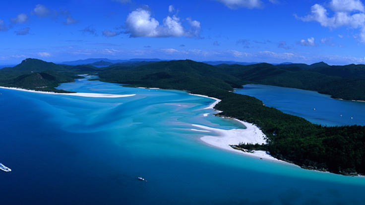Whitehaven Beach - Helicopter Flights - Aerial Shot Whitehaven Beach - Great Barrier Reef Australia