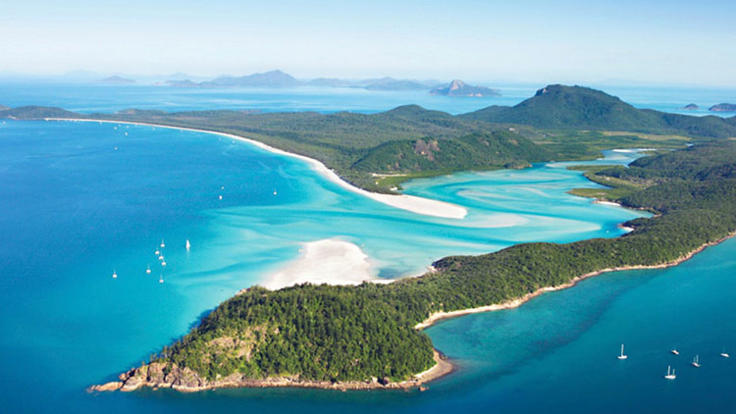 Helicopter scenic flights - From Airlie Beach - Whitsundays