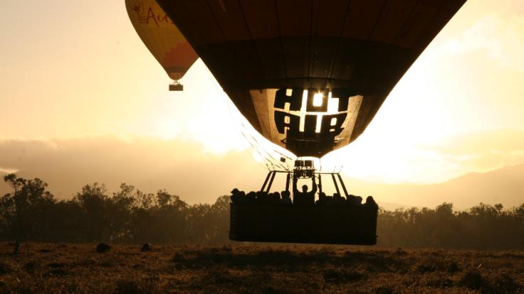 Lift off-Stunning sunrise views over the Atherton Tablelands