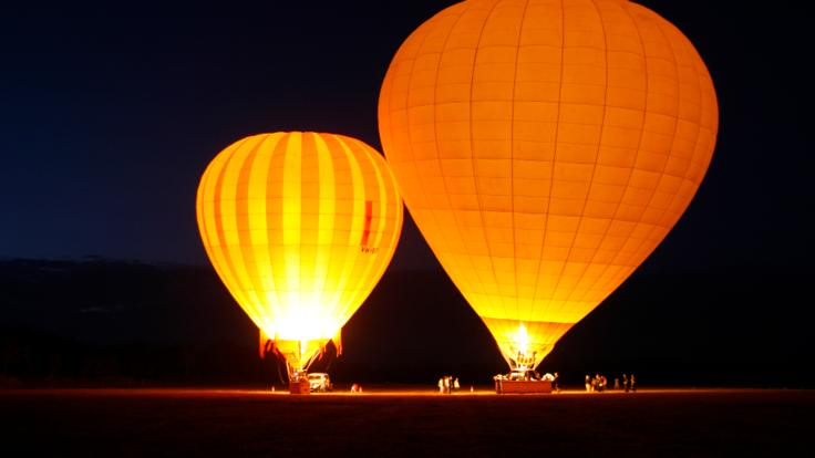 Early starts-Sunrise hot air balloon tours Cairns-Port Douglas