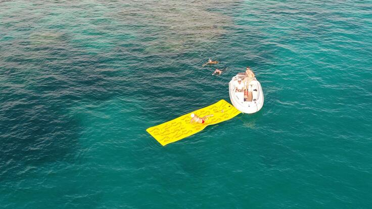 Superyacht Charters Great Barrier Reef - Aerial view of Superyacht Toys