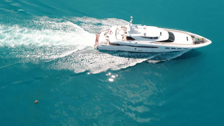 Hamilton Island Yacht Charters - Superyachts Great Barrier Reef