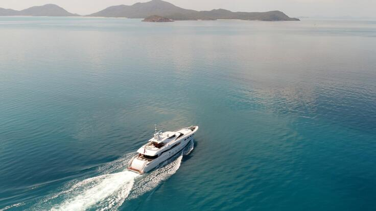 Whitsunday Yacht Charter - Luxury Whitsundays Charter Boat - Great Barrier Reef