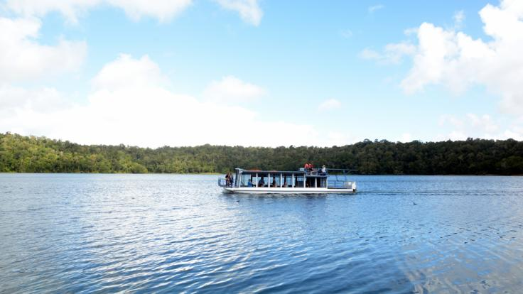 Private 1 Day Tablelands Tour | Cruise on Lake Barrine