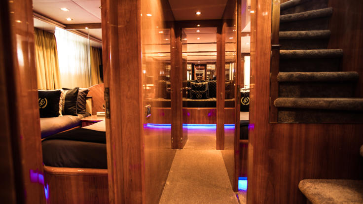 Guest Cabins | Whitsunday Superyacht