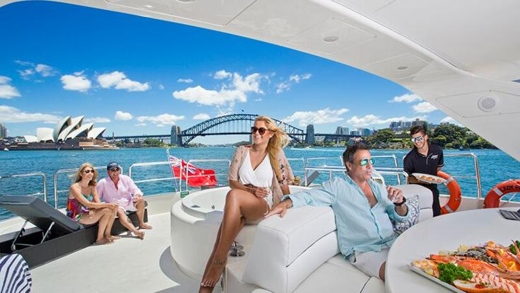Superyachts Great Barrier Reef - Spacious deck - Whitsunday Superyacht Charter