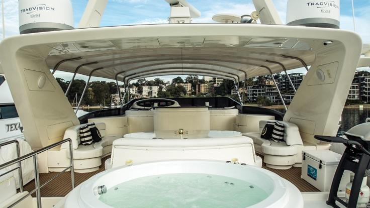 Luxury Private Charter | Jacuzzi
